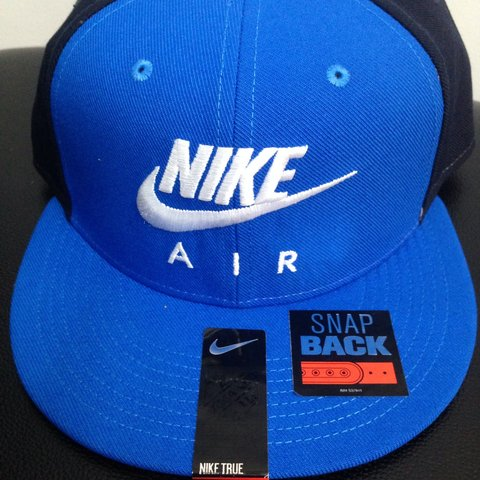 c69b204dba3e Nike snap back cap brand new