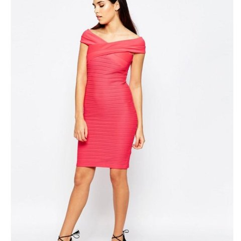 387155c794e4 @karenbasnett. 7 months ago. Birmingham, United Kingdom. Lipsy ripple  Bodycon dress ...