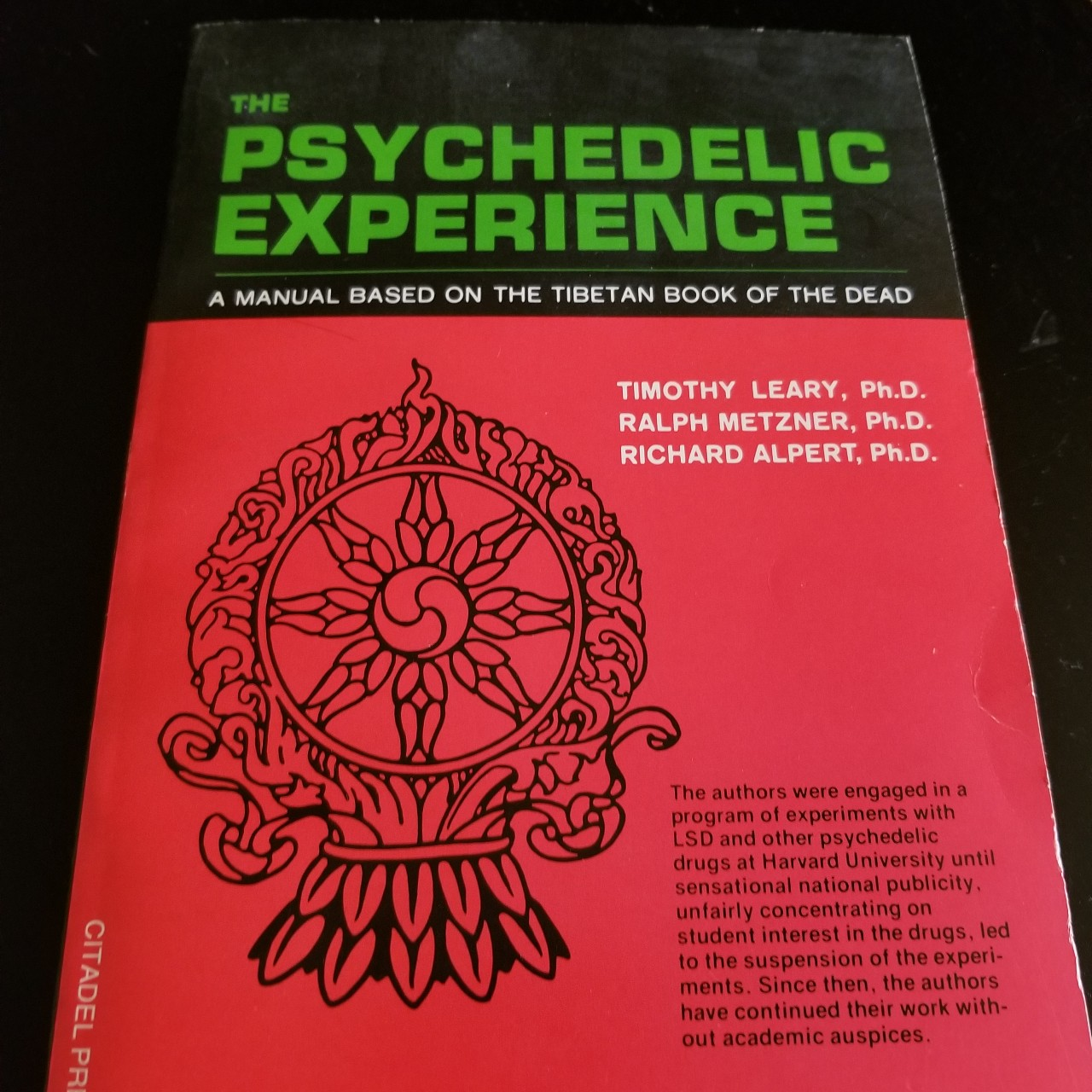 THE PSYCHEDELIC EXPERIENCE (A manual based on the    - Depop