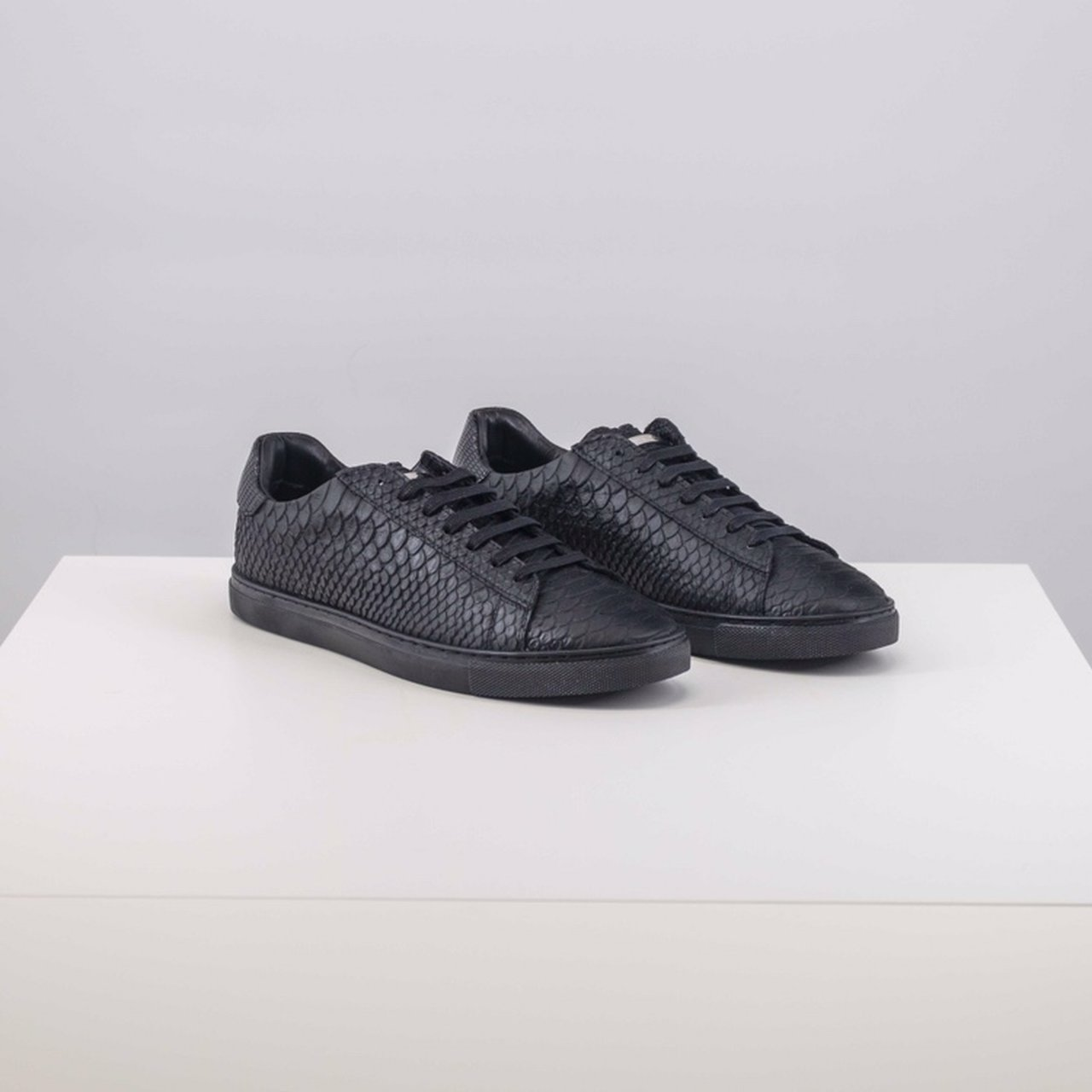 ca615ee1b2e0 Dsquared2 Sneakers Size 41 - 8 DM