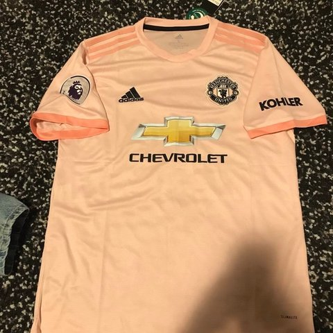 b8a8d8c5e Manchester United 2018 19 Away Pink Kit Supreme quality. and - Depop