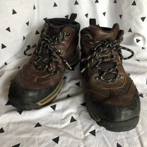 6b85a159c254a @momgenes. 4 months ago. Nashville, United States. TIMBERLAND HIKING BOOTS