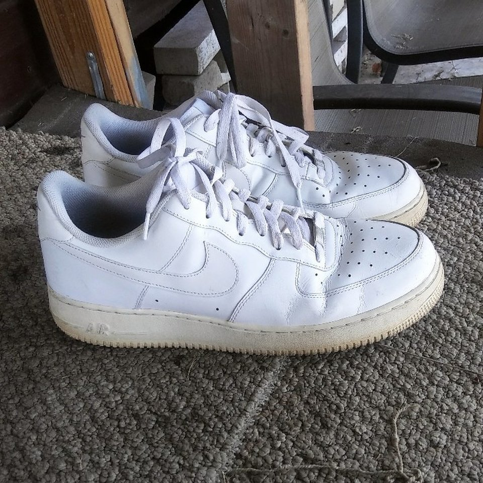 NIKE AIR FORCE 1 Used, size 13,creased