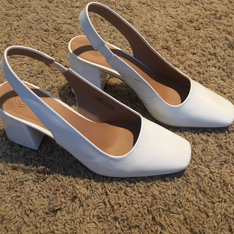 👠 Cute Uo White Slingback Heels 👠 Just A Tad Too Big by Depop