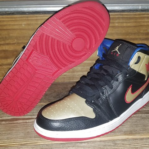 85956d29ea0b96 Nike Air Jordan 1 RETRO Mid Mens style  Pre-owned without - Depop
