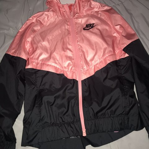 b119bb6e4687 womens pink   black Nike windbreaker! Only worn a few times - Depop
