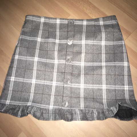 f4e8034e4 @lilysef1. 7 months ago. Glenview, United States. cutest plaid skirt!! fits Medium  really well