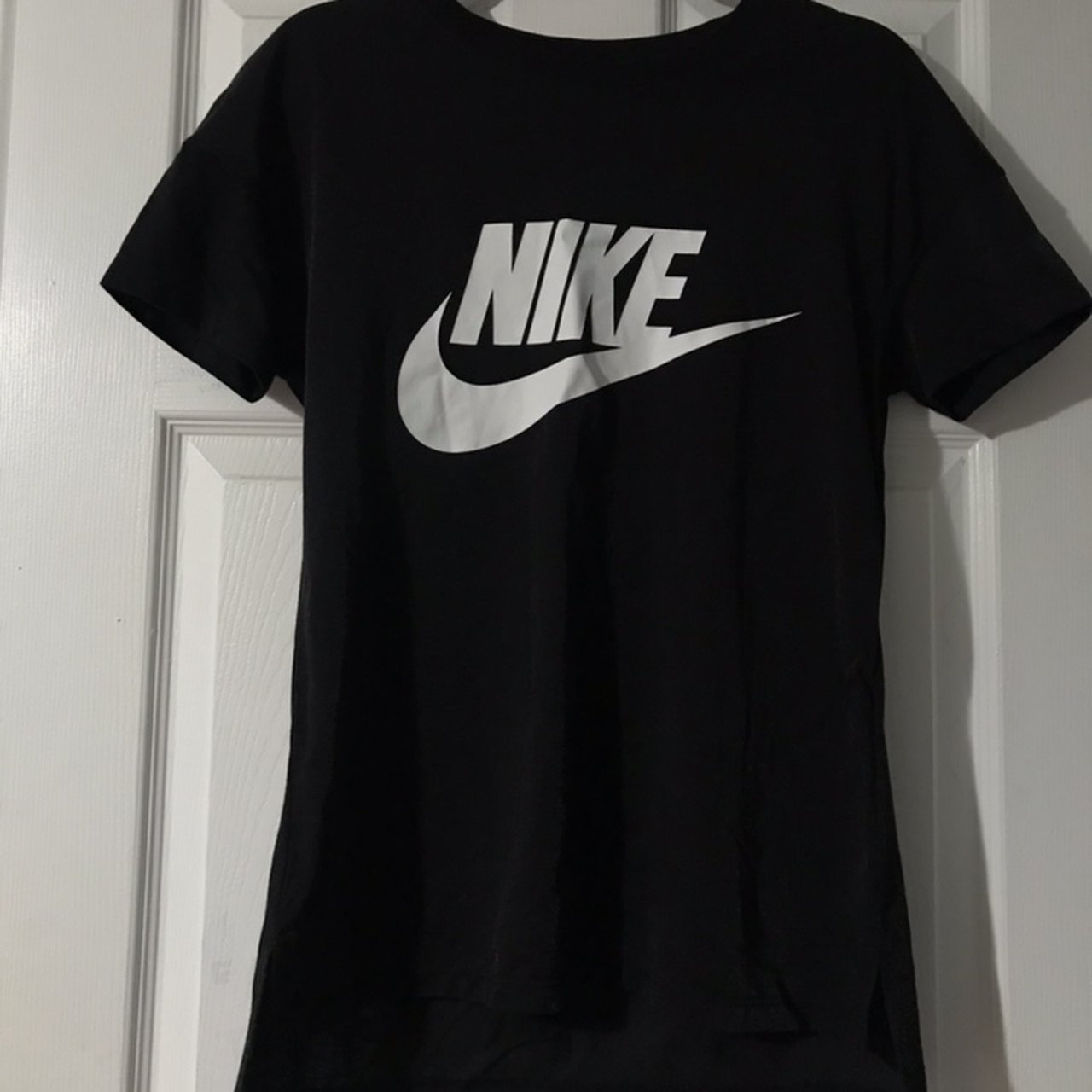 d130104fdbe5 Brand new workout nike shirt!! Its long and has this cool ) - Depop