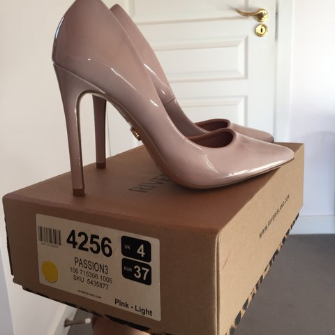 74283df39431 River island heels worn once. Bought for nearly €60 They a - Depop