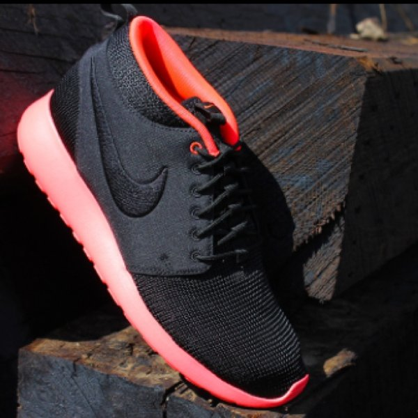buy online b905e 988e4 par5. 5 years ago. Milano, Italia. Nike Roshe Run Mid Atomic Red ...