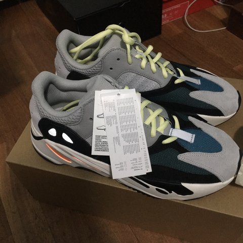 08eac0cf3 Adidas Yeezy Boost 700 Wave Runner Size 42 2 3 EU-9 US Nuove - Depop