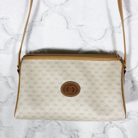 292c1ad377d9 REDUCED ✨ Vintage Cream and Tan Monogram Gucci Bag • This is - Depop