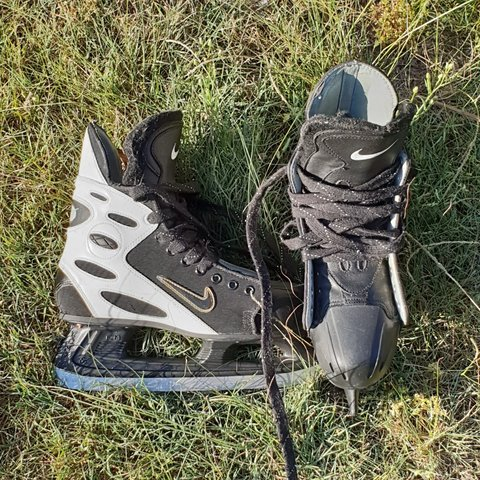 8a762bb633d37 NIKE Lace Up Ice Skates Used Condition  black white gold - Depop