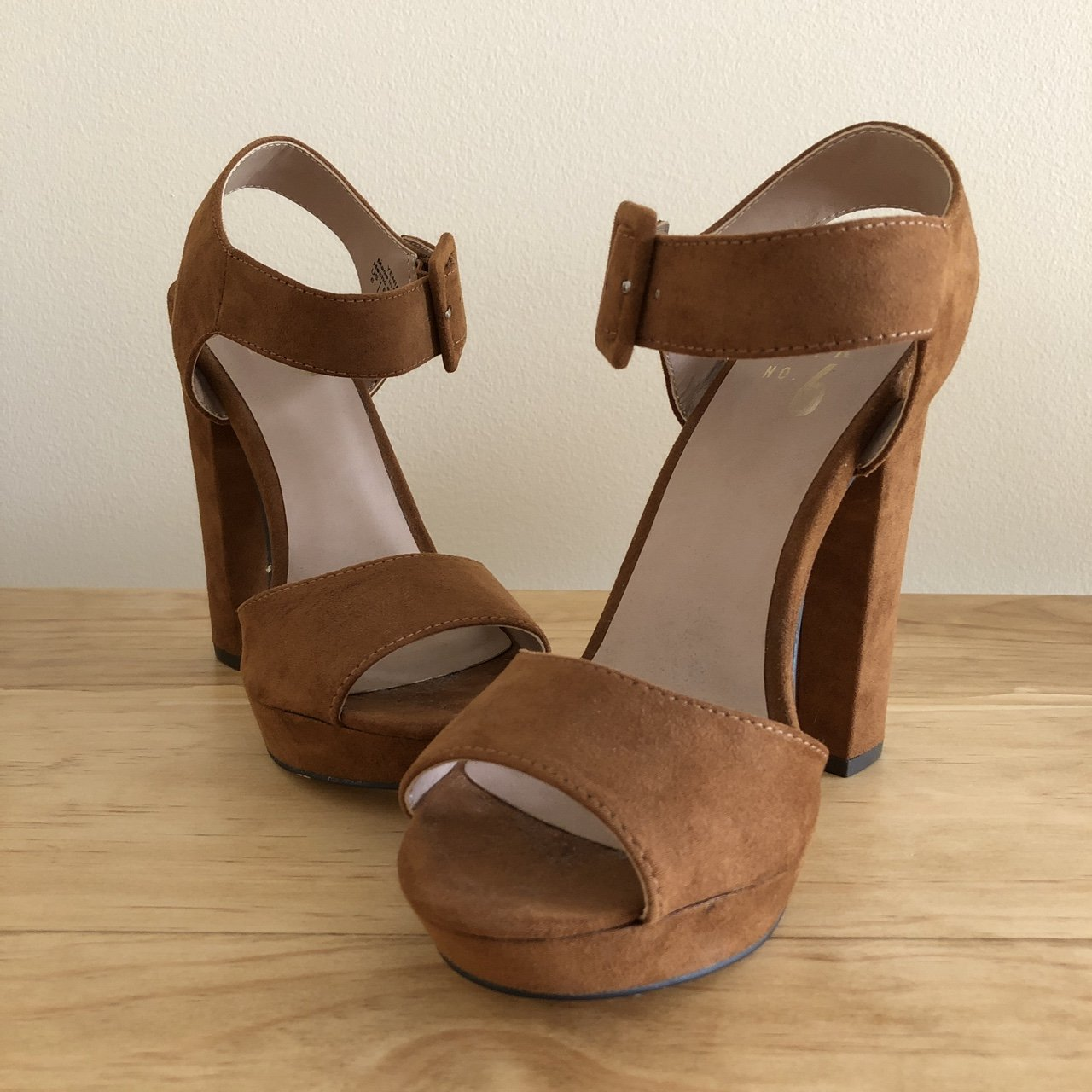 940c679cb5f Mix no. 6 US size 6 pecan brown suede chunky heels. Never - Depop