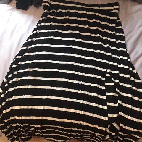 59b4580836f62 Torrid stripe maxi skirt with small side slit size 2 - Depop