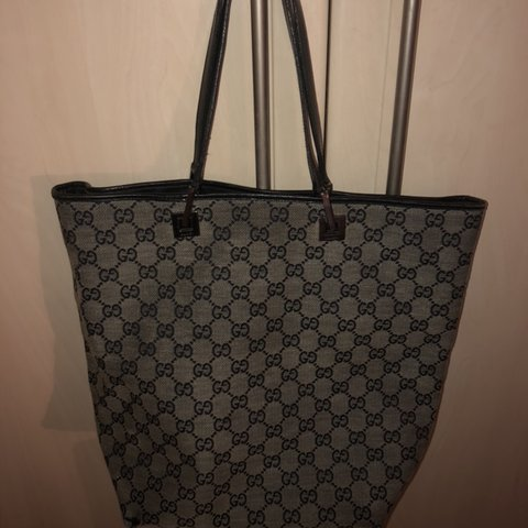 4110e7709071a0 Classic Gucci bag Don't know if real or not as given as a - Depop