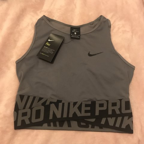 0658a4383 @nksports. 7 months ago. Birmingham, United Kingdom. Brand new with tags! Women's  Nike Pro training crop top