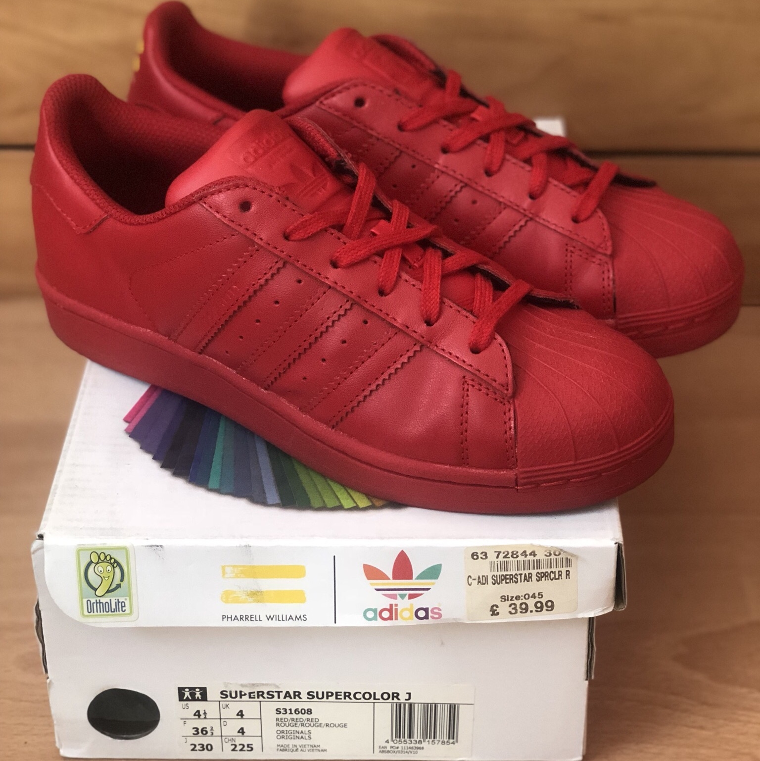meilleur service cd6f7 1c245 Adidas X Pharrell Williams Superstar... - Depop