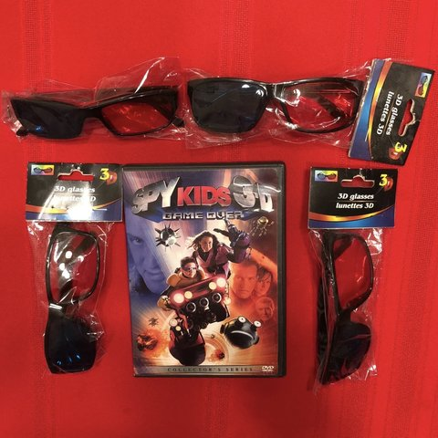 ef633edcc6864 Free Shipping    Collector s Series Spy Kids 3D Game 2 - Depop