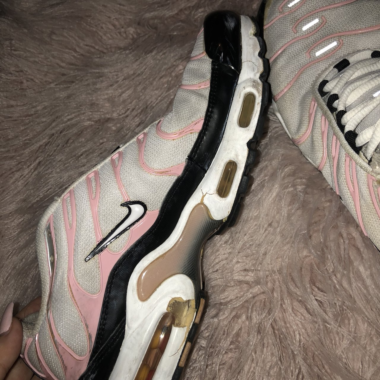 f0c528ca4997 Nike tns Pink white and black tns bought second hand most - Depop