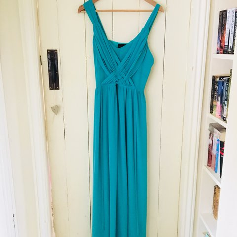 66b2acfcb5c Beautiful floor length dress perfect as a prom dress or ball - Depop