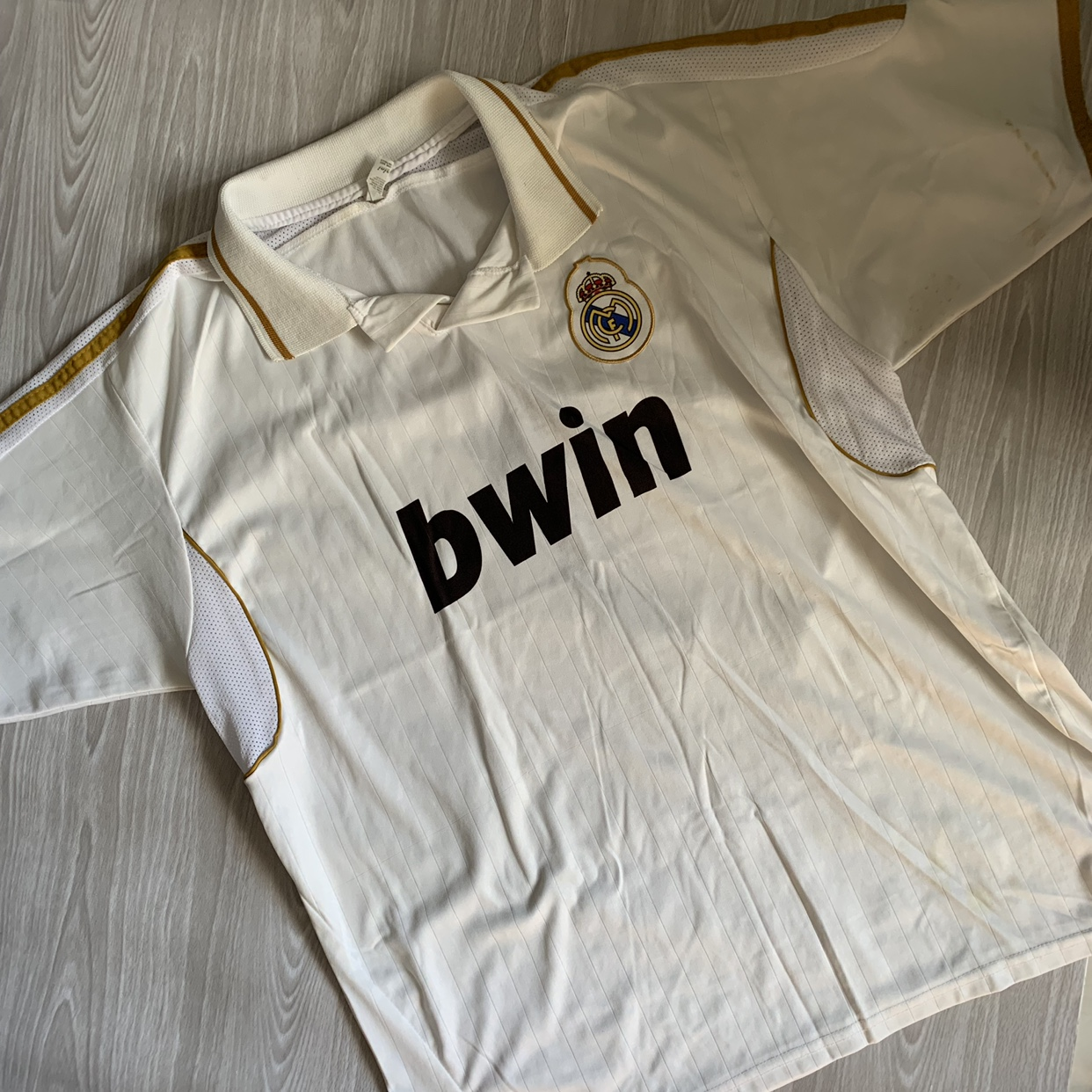 finest selection 238e9 51236 Real Madrid Bwin Jersey L/XL IF YOU BUNDLE ITEMS I... - Depop