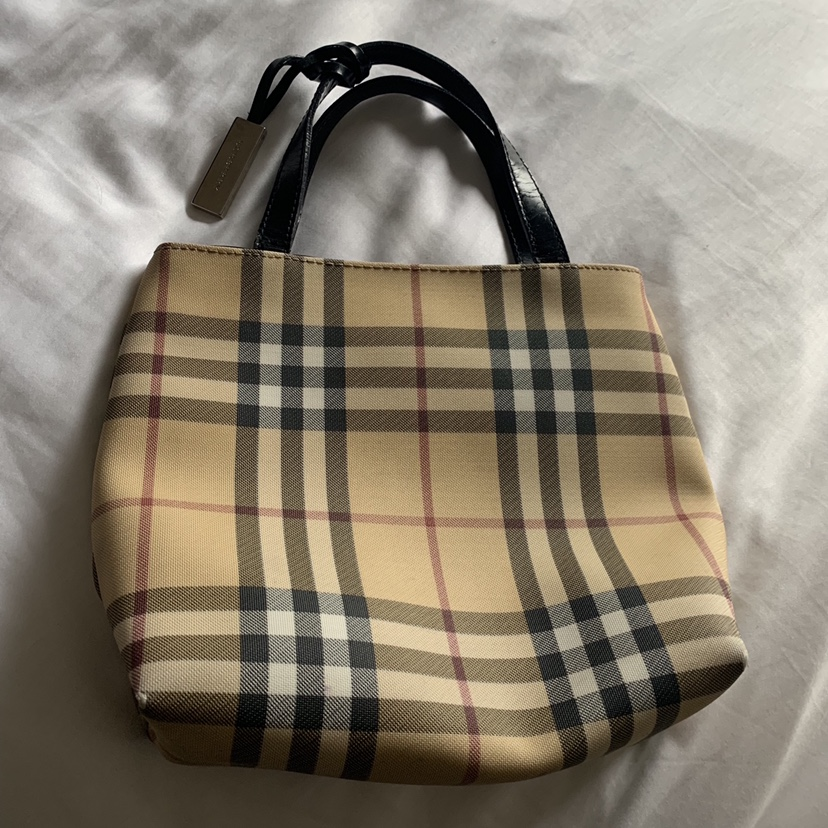 Mini Burberry BagVery Vintage Good Authentic Depop f6IvYbg7ym
