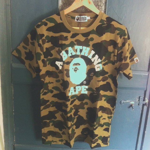 59ea9c7a5 @nate92. 5 years ago. Lewes BN8, UK. A Brand NEW WITH TAGS Bape L Green Camo  White Ape Head Tee.