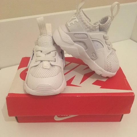 ce9b883bf7 @shan4991. 4 months ago. Southall, United Kingdom. Baby white Nike Huarache  👟 Uk 2.5. Worn once, so excellent ...