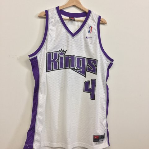 8d278c1a909 🏀 SACRAMENTO KINGS CHRIS WEBBER JERSEY ✨ In excellent    - Depop