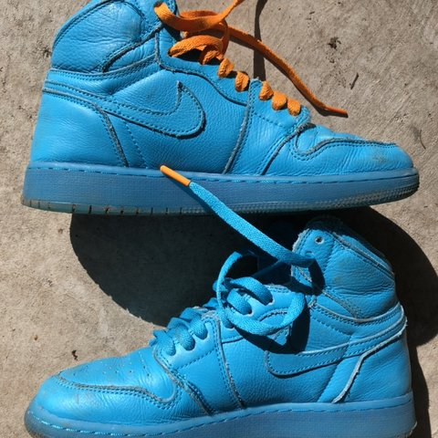 e68b4b3a280 @meibearr. 8 days ago. Bellevue, United States. Blue Nike Gatorade Shoes  These shoes are in great condition! I'm open ...