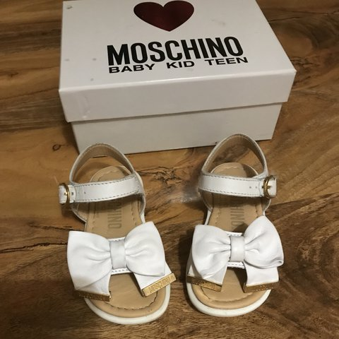 1954c211e503 Baby girl Moschino Sandals .... size 21 ... paid £110 - Depop