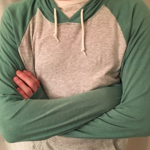 7ee5733cfbe4 COMFORTABLE OLD NAVY LIGHT PULLOVER LIGHT GRAY AND GREEN old - Depop