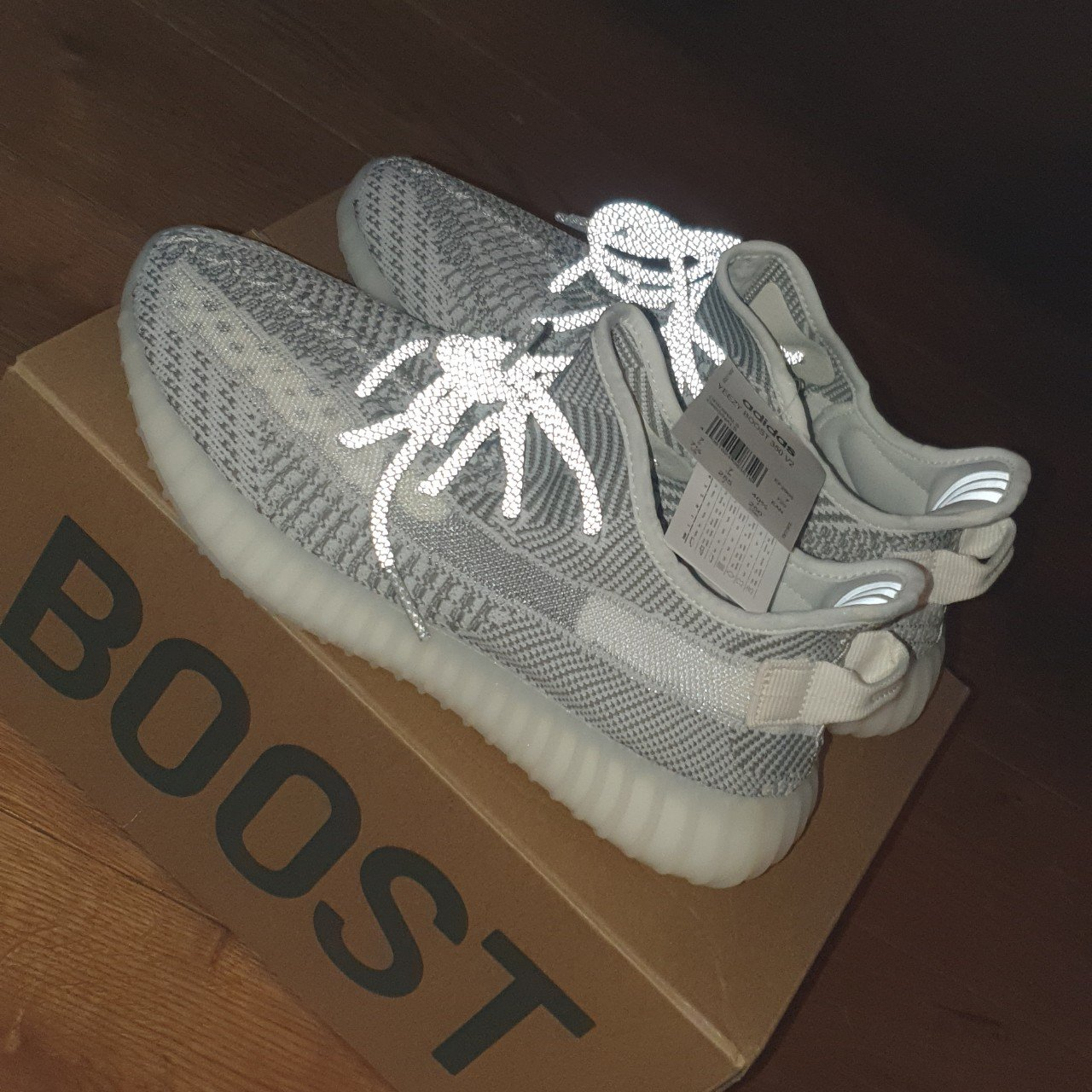 31b7358b321 UK 7 Yeezy statics (non refective) Brand new with tags
