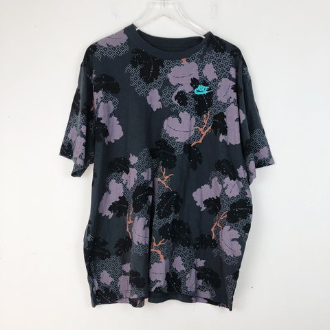 0d6543375 @lesliesfashion. 5 months ago. Newark, United States. Nike Regular Fit Tee  Size 3XL