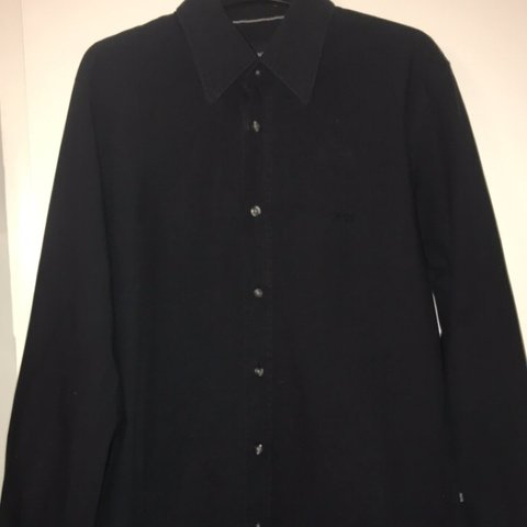 1211cc0e4f1 @hcunni01. 5 months ago. Hyde, United Kingdom. Black Hugo boss shirt. Size: medium  would fit large. Bought for 90