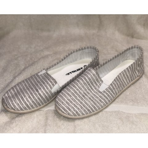 Gray Sandals Lightly Depop Airwalk WornNot Striped iPkXZTwuO