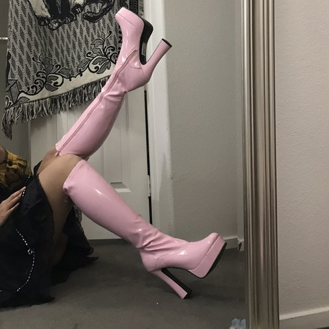 feaaeb2aebf 💗OK OMG THESE BABY PINK KNEE HIGH PATENT BOOTS ARE AMAZING - Depop