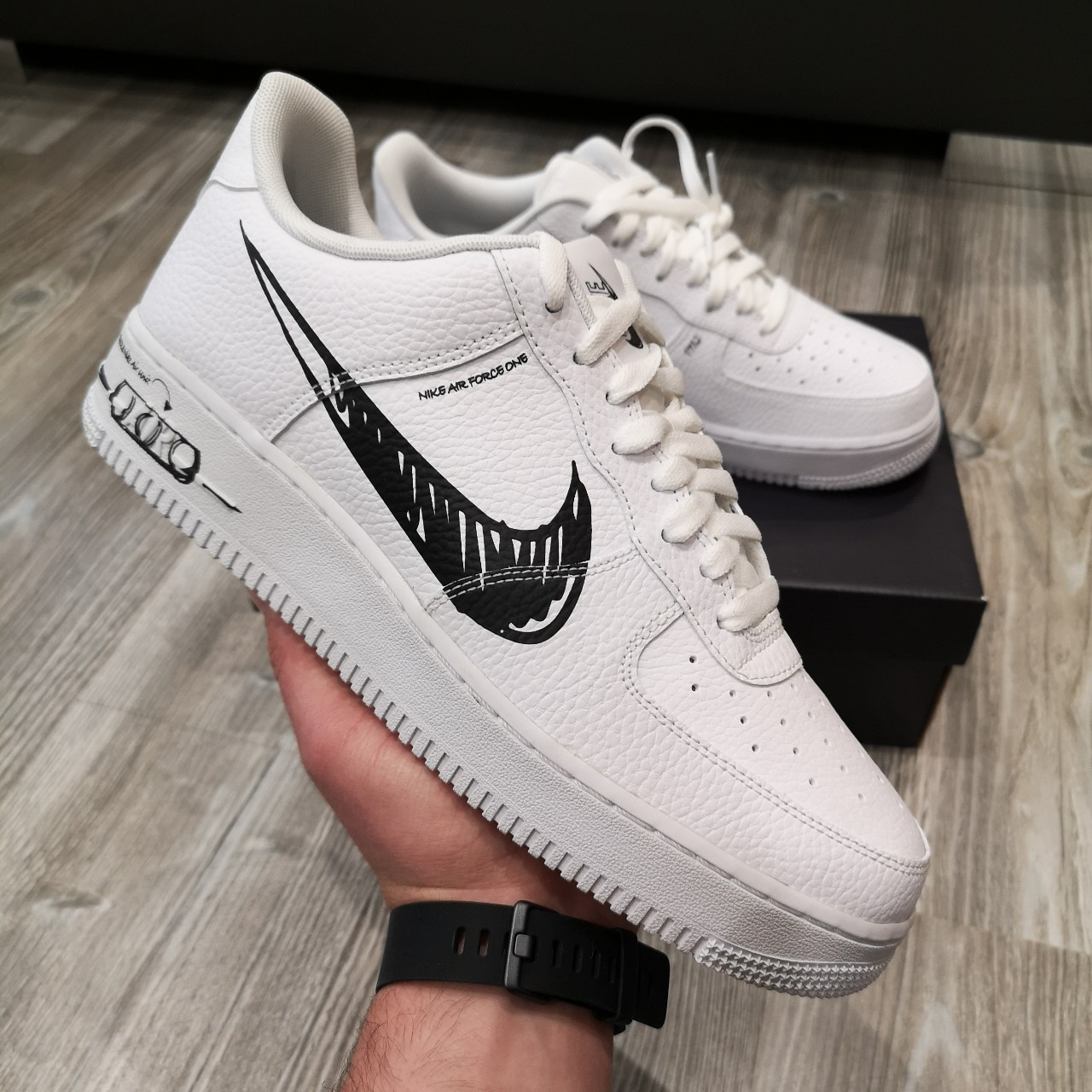 NIKE AIR FORCE 1 LOW LV8 UTILITY