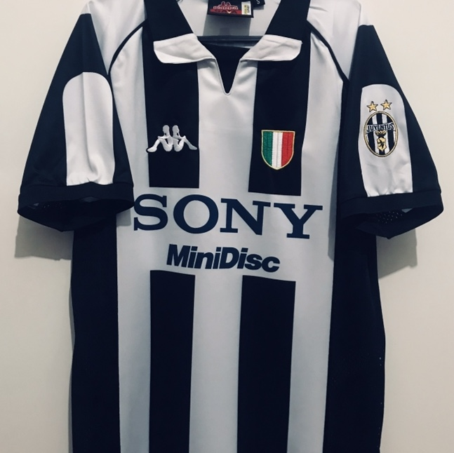 timeless design 14dfb d2b53 A stunning re-issue In new condition Juventus shirt... - Depop
