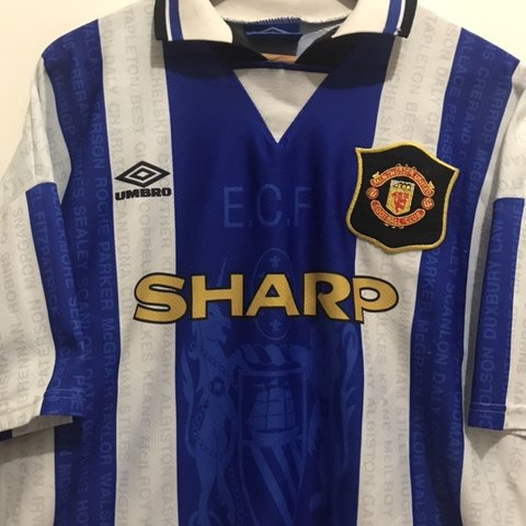 50bfaef44 Beautiful Vintage 1995 1993 1994 away Manchester United was - Depop