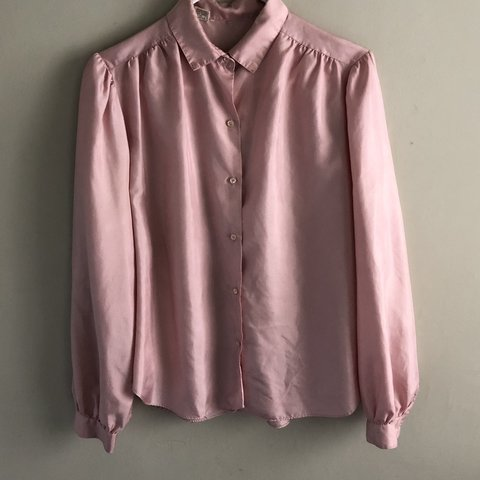 202fed8d305d46 A pink dream! Vintage 70s/80s Pink Blouse with Small puff - Depop