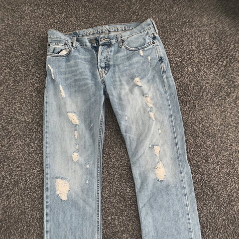 b7a13d52d68 @peytonbabee. 2 months ago. Palm Coast, United States. Men's American eagle  light wash ripped jeans