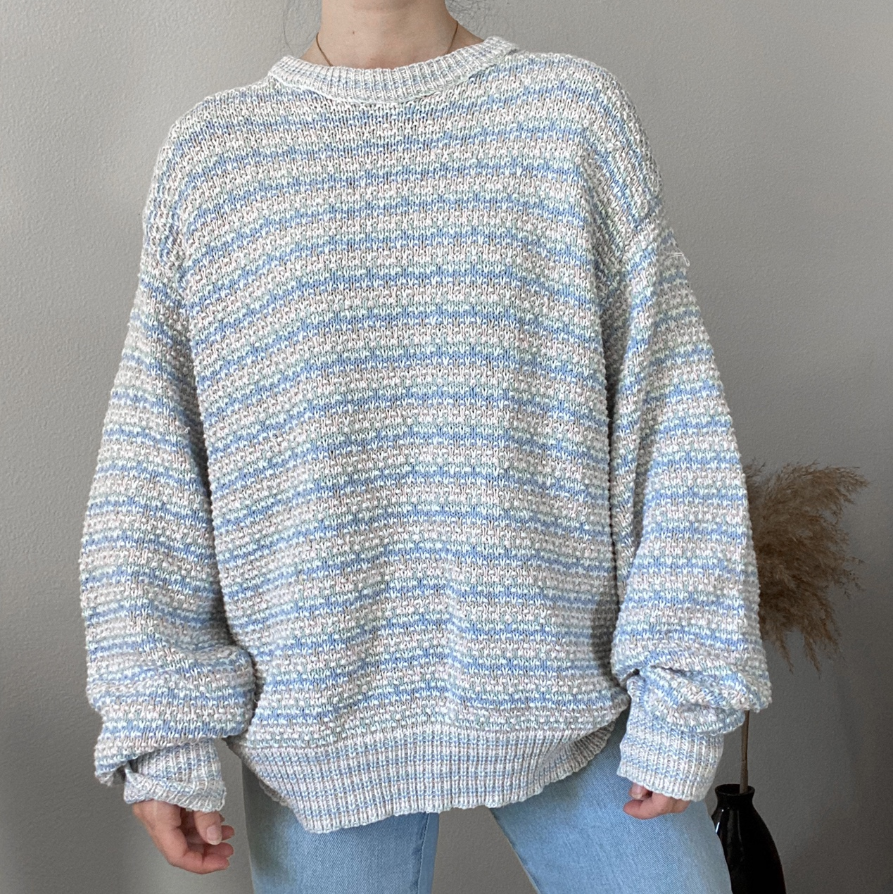 Vintage cable knit sweater in pastel </div>