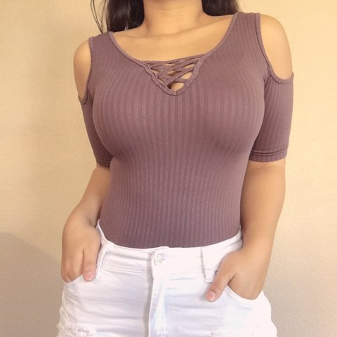 9279de8122 💜 ribbed bodysuit 💜 2 setting snap closure 💜 cheeky so - Depop