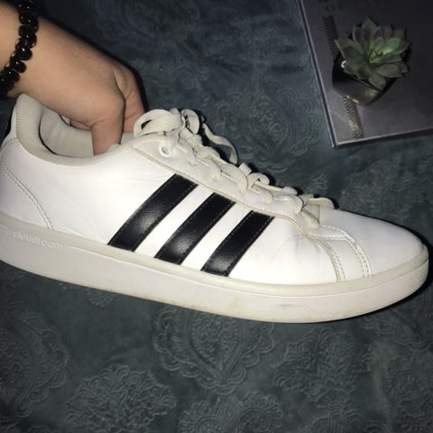 571cfb30b038 ✨WHITE ADIDAS CLOUD FOAM SHOES✨ •lightly used •good shape a - Depop