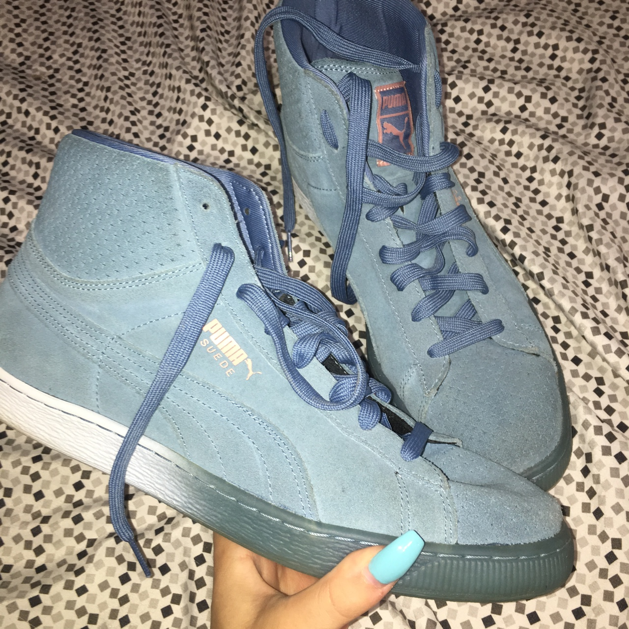 buy online 59357 c7a67 Puma X pink dolphin Suede collab worn once great... - Depop