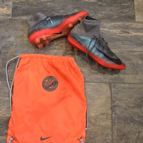 e888aadcadf6 Selling my Nike mercurial superfly V CR7 chapter 4 FG boots - Depop