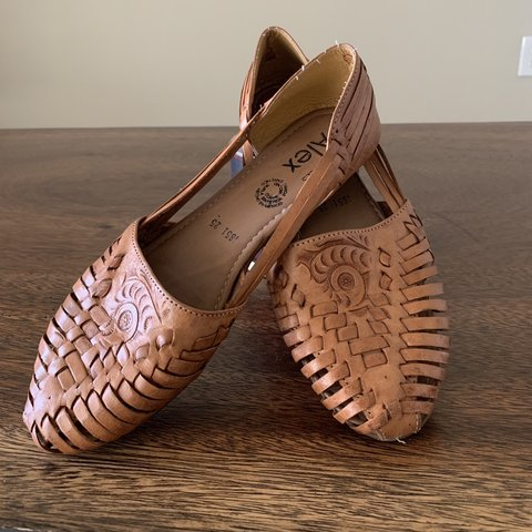 9f0e33d96775  cadena68. 5 months ago. United States. Authentic Mexican Huaraches. I  bought this pair ...