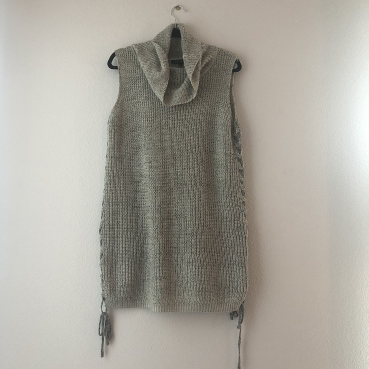 8f930df3de Light grey knit turtleneck   cowl neck sleeveless sweater on - Depop